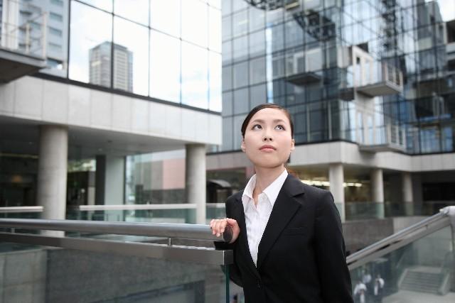 契約社員の期間満了退職は給付制限が付かない?